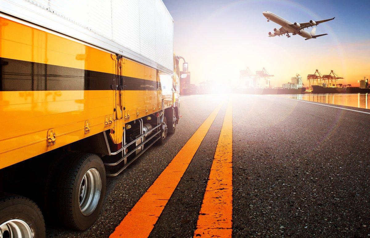 transporte_avion_trailer.jpg